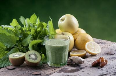 Juice from KIWI, apples leafy green